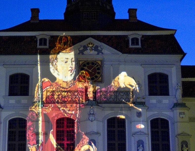 Foto t&w Rathaus wird illuminiert