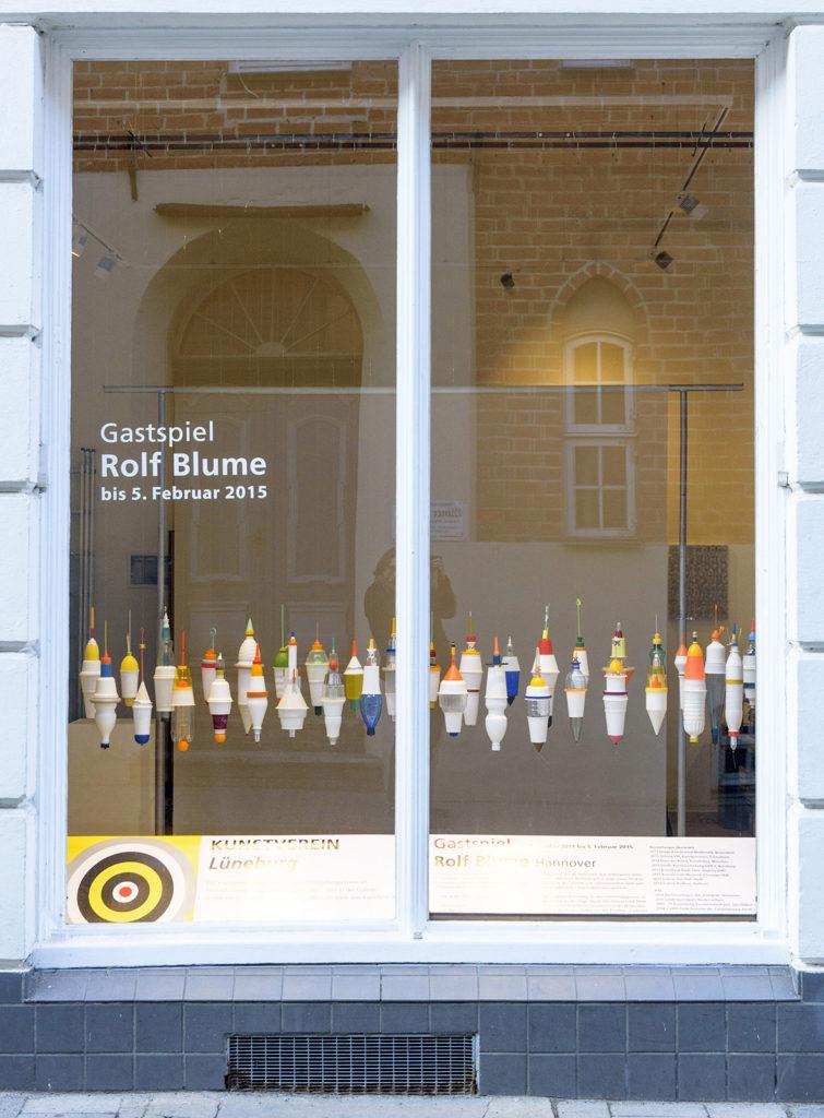 Foto: t&w Kunstverein Lüneburg Büro Lüner Straße Gastspiel Rolf Blume (Hannover) Bojen